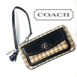 COACH Houndstooth Quilted Wristlet